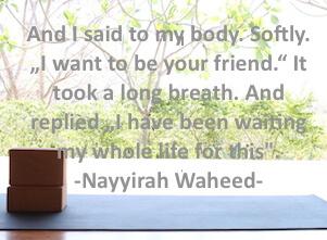 Auf diesem Bild ist ein Spruch zu Yoga und Beziehung zu sich selbst.