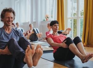 Im Anfänger Workshop lernen Yogis die Grundlagen des Yoga.