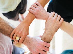 Traumasensibles Yoga: eine Fortbildung bei uns im Yogastudio in Stuttgart.