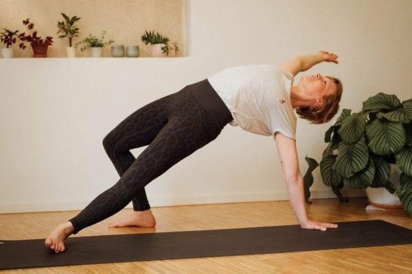 Yogaspecial Tanz in den Mai - mit Christiane am 1. Mai 2021 in Stuttgart-West