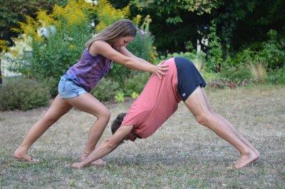 Outdoor Yoga mit Louisa, sonntags 10:00-11:30 Uhr